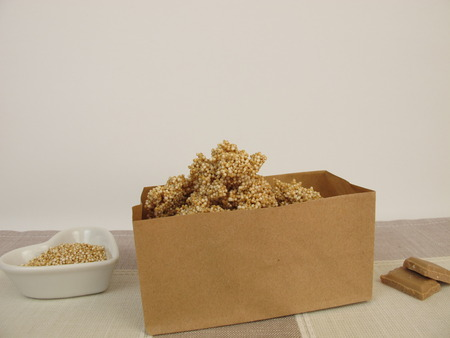nuggets: Chocolate nuggets with amaranth in paper bag