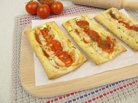 puff: Puff pastry pizza with tomato and cheese