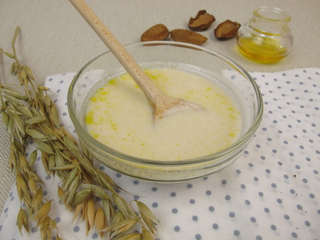 hair treatment: Hair treatment with oats and almond oil