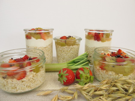 overnight: Overnight Oats with quark, rhubarb, strawberries and cocoa nibs
