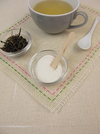 gelatin: Green tea with gelatin and fruit sugar