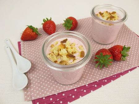 crumbs: Strawberry cheesecake shake with cake crumbs