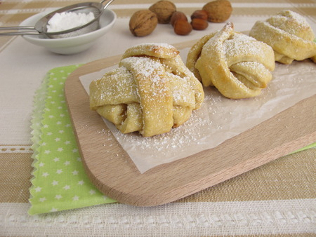 suger: Baked snowball shortcrust pastry with powdered sugar