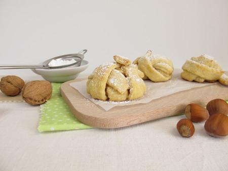 boule de neige: Baked boule de neige p�te bris�e avec du sucre en poudre