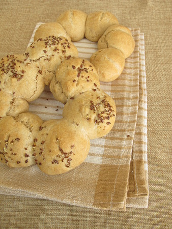 spelled: Roll wreath from spelled and roll wreath wit flax seeds