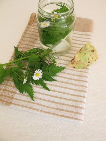 celeriac: Detox water with celeriac and wild herbs