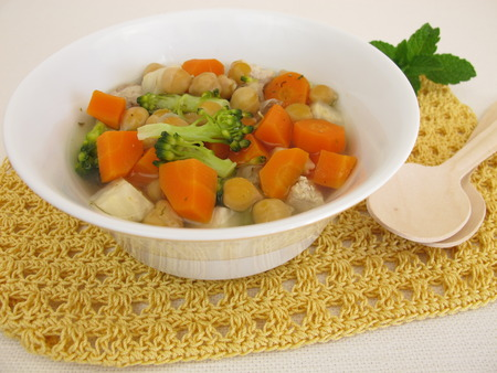 garbanzos: Estofado con verduras y garbanzos