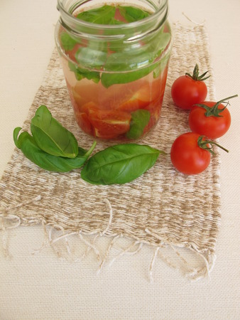 detoxification: Detox water with tomato and basil