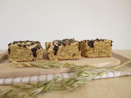 carob: Vegan oatcake with carob frosting