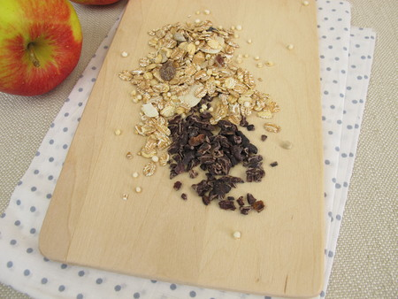 muesli: Cocoa nibs from raw cocoa and muesli Stock Photo