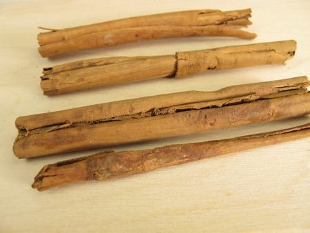 ceylon: Dried Ceylon cinnamon bark sticks Stock Photo