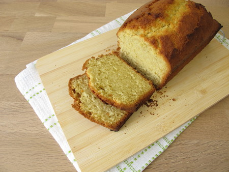 Freshly baked pound cake from mold Stock fotó - 110686557