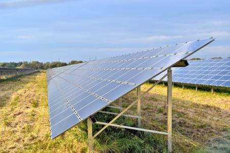 Sonnenenergie Standard-Bild - 13935423