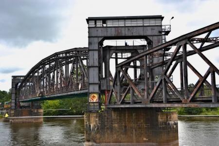 lift bridge photo