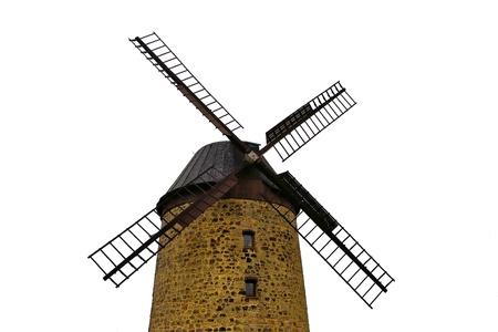 historische Windmühle mit weißem Hintergrund