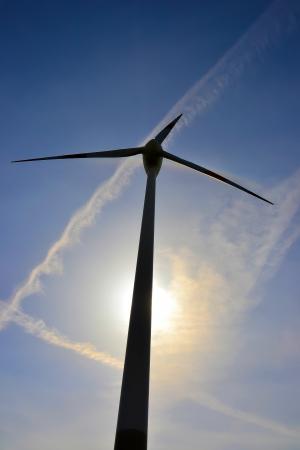 electricity tariff: Close-up of a wind turbine