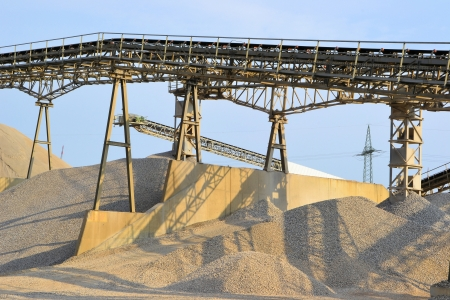Zand en grind in een grindgroeve