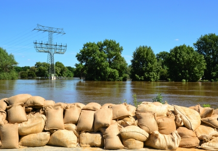 Sandsäcke bei Hochwasser im Jahr 2013