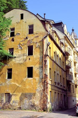 karlovy: Dilapidated house in Karlovy Vary