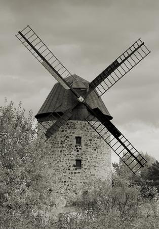 alte historische Windm�hle in Warnstedt im Harz