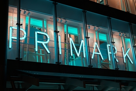 the night light: COLOGNE, GERMANY - OCTOBER 19, 2015: Primark store in the center of Cologne at night