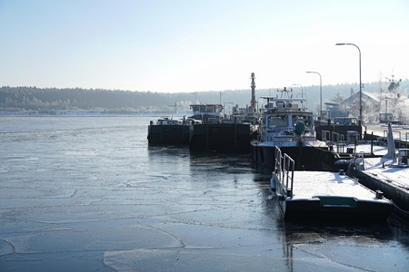 canal lock: Niegripp, GERMANY - JANUARY 22, 2016: ships at canal lock in Niegripp near Magdeburg make winter break