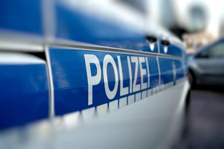 politie-auto in het centrum van Magdeburg