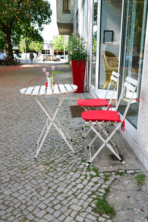 doldrums: sidewalk cafe in the center of Berlin Stock Photo