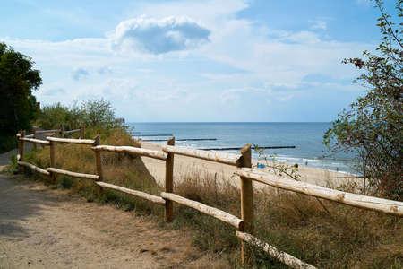 View from the cliffs to the beach near Rewal in Poland Standard-Bild