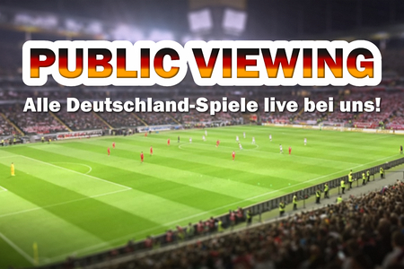 Public Viewing at the soccer Cup 2018, german text alle Deutschland-Spiele live bei uns Stockfoto