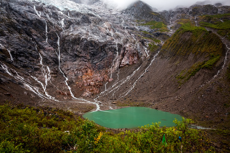 Chinas Yunnan Diqing Tibetan Autonomous Prefecture Deqin County Yubeng Meili Snow Mountain Ice Lake Scenery 版權商用圖片