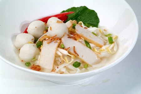 vissen bal noedels - Maleise Chinees eten