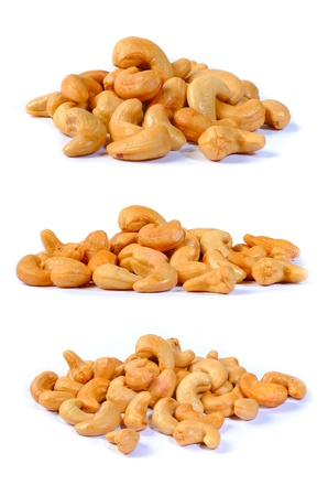 cashew nuts: cashew nuts isolated on white background