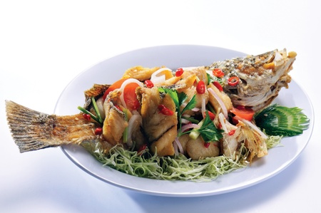 fried fish with fresh vegetable Stock Photo - 13202611