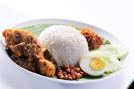 keropok: Nasi lemak traditional malaysian spicy rice dish Stock Photo