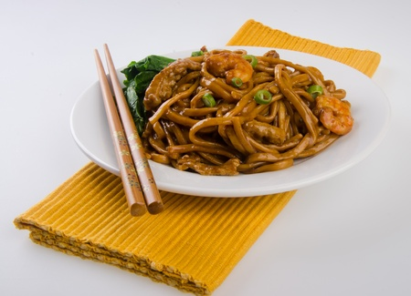 mee pok: noodles  stir-fried noodles with chicken