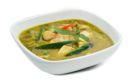 sopa de pollo: Pollo al curry verde de una popular comida tailandesa Foto de archivo