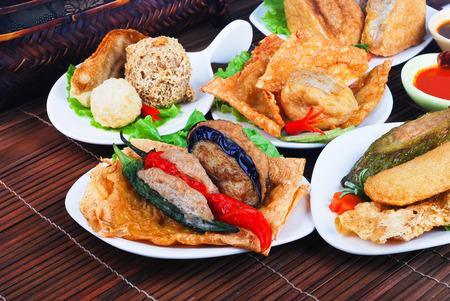 Yong タウ Fu。魚のペースト詰めのおいしいアジア中華料理 写真素材