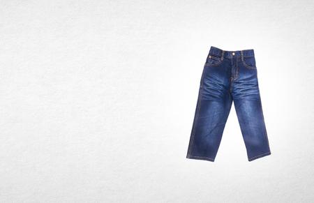 Jeans Para Niños O Jeans De Color Azul Sobre Un Fondo Fotos ...