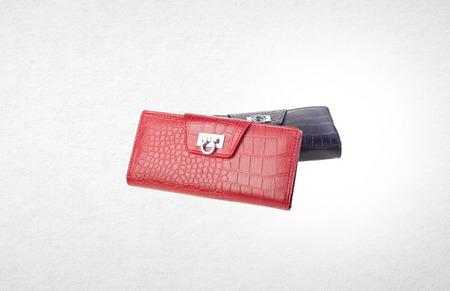 portemonnee of diverse tas op een achtergrond