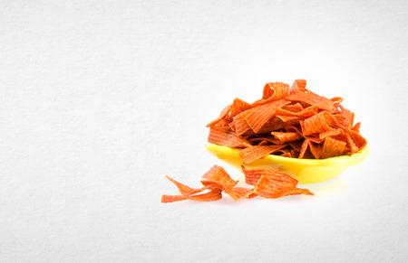 tortilla de maiz: Comida chatarra o merienda en un fondo