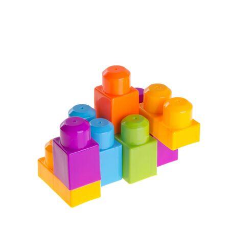 Spielzeug- oder Plastikbausteine im Hintergrund neu