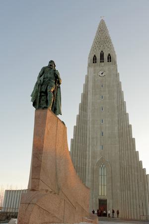 erikson: Sculpture of Leif Erikson in front of Hallgrimskirkja. in Reykjavik, Iceland.