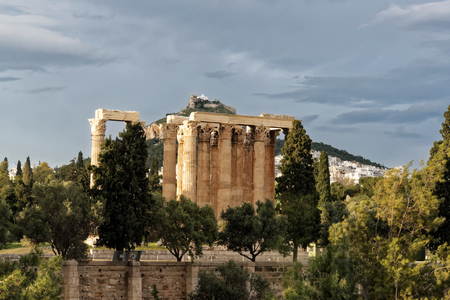 Temple of Olympian Zeus, also known as the Olympieion or Columns of the Olympian Zeus Foto de archivo
