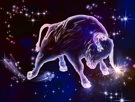 constelaciones: Belleza poderosa, hermosa fuerza, que lo que el signo de Tauro es abril y mayo son los meses de Bull Disfrute de este animal astrológico increíble Foto de archivo