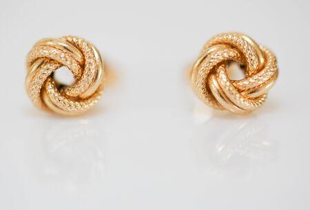 Set modischer Ohrringe und Dekorationen - Image