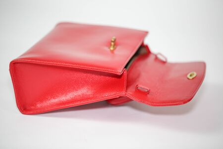 Vintage red women's handbag isolated on white background - Image 写真素材 - 133611327