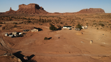 Village near the Oljato–Monument Valley in Arizona.  Ranch house. Aerial view, from above, drone shooting Standard-Bild - 107692091