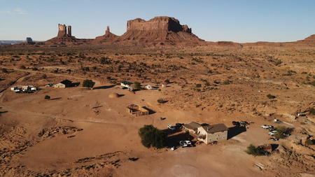 Village near the Oljato–Monument Valley in Arizona.  Ranch house. Aerial view, from above, drone shooting Standard-Bild - 107692118