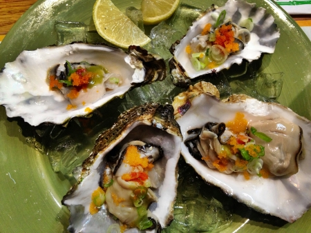 A delicious plate of healthy raw oysters